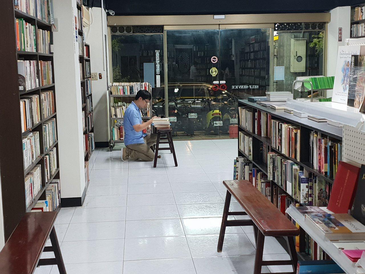 無人書店提供讀者自在閱讀的空間。記者陳宛茜/ 攝影