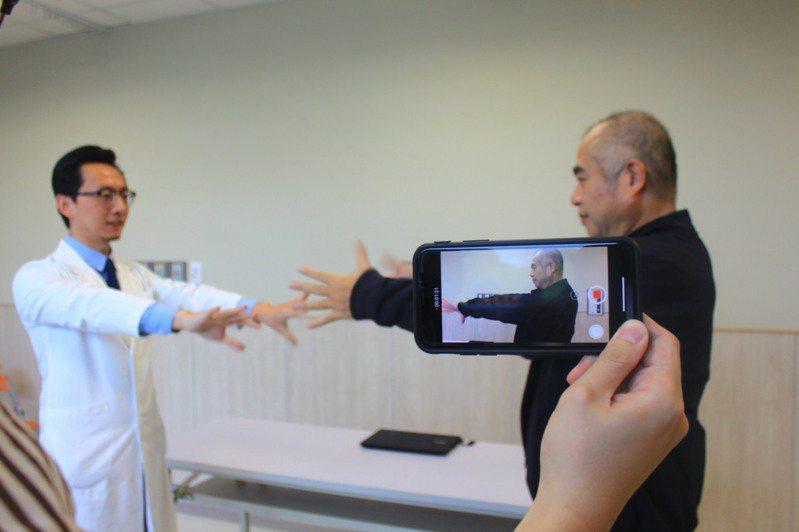結合醫療和AI專長,利用「人工智慧」輔助動作障礙專家判斷。記者郭政芬/攝影