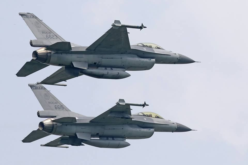有「皇家空軍」稱譽的空軍嘉義基地第四戰術戰鬥機聯隊,是首批換裝接收F-16戰機的...