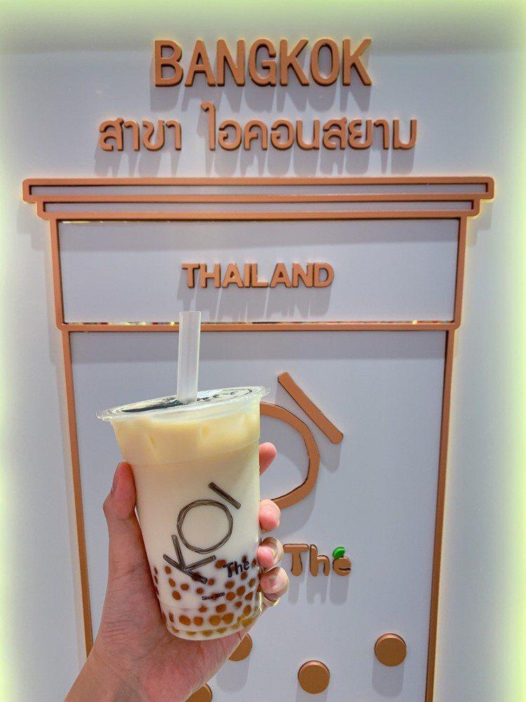 「KOI Thé」特調飲品深受當地年輕人喜愛。記者徐力剛/攝影