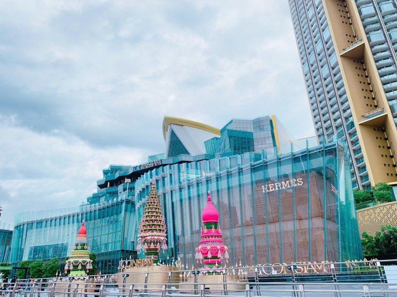 坐落昭披耶河畔的「ICONSIAM」,為東南亞最大複合型購物商場。記者徐力剛/攝影
