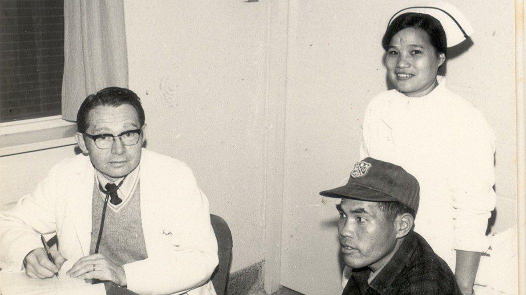 薄柔纜醫師在花蓮行醫40年,治療偏遠地區民眾。 圖/門諾醫院提供