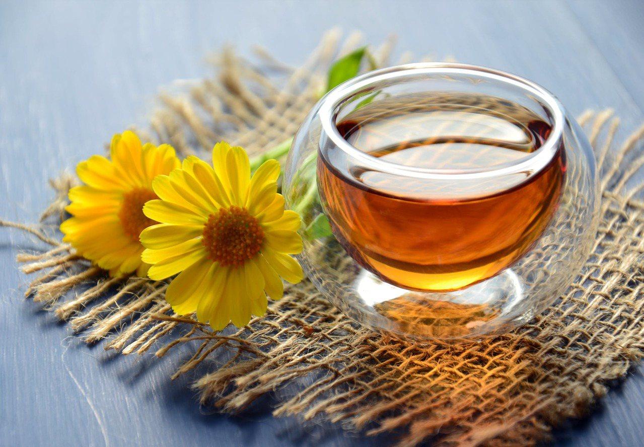 對於茶品來說,有時候喝的是氣氛,但身體的狀況卻不允許。圖/摘自 pexels