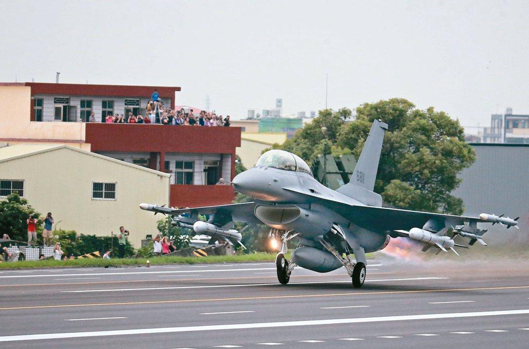 美對台F-16戰機軍售案價值八十億美元,是近年來規模最大的對台軍售案。 本報資料...