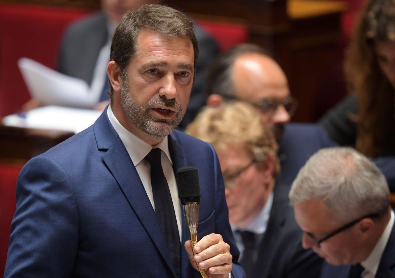 法國內政部長卡斯塔納。 (法新社)