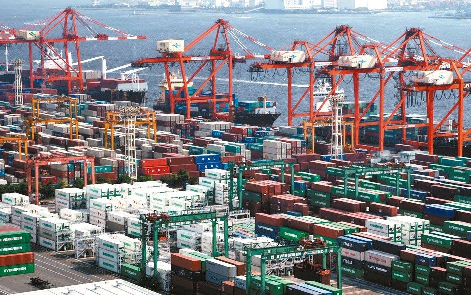 日本7月出口連續第八個月下降,可能會拖累企業資本支出,成長展望蒙上更多陰霾。 彭...