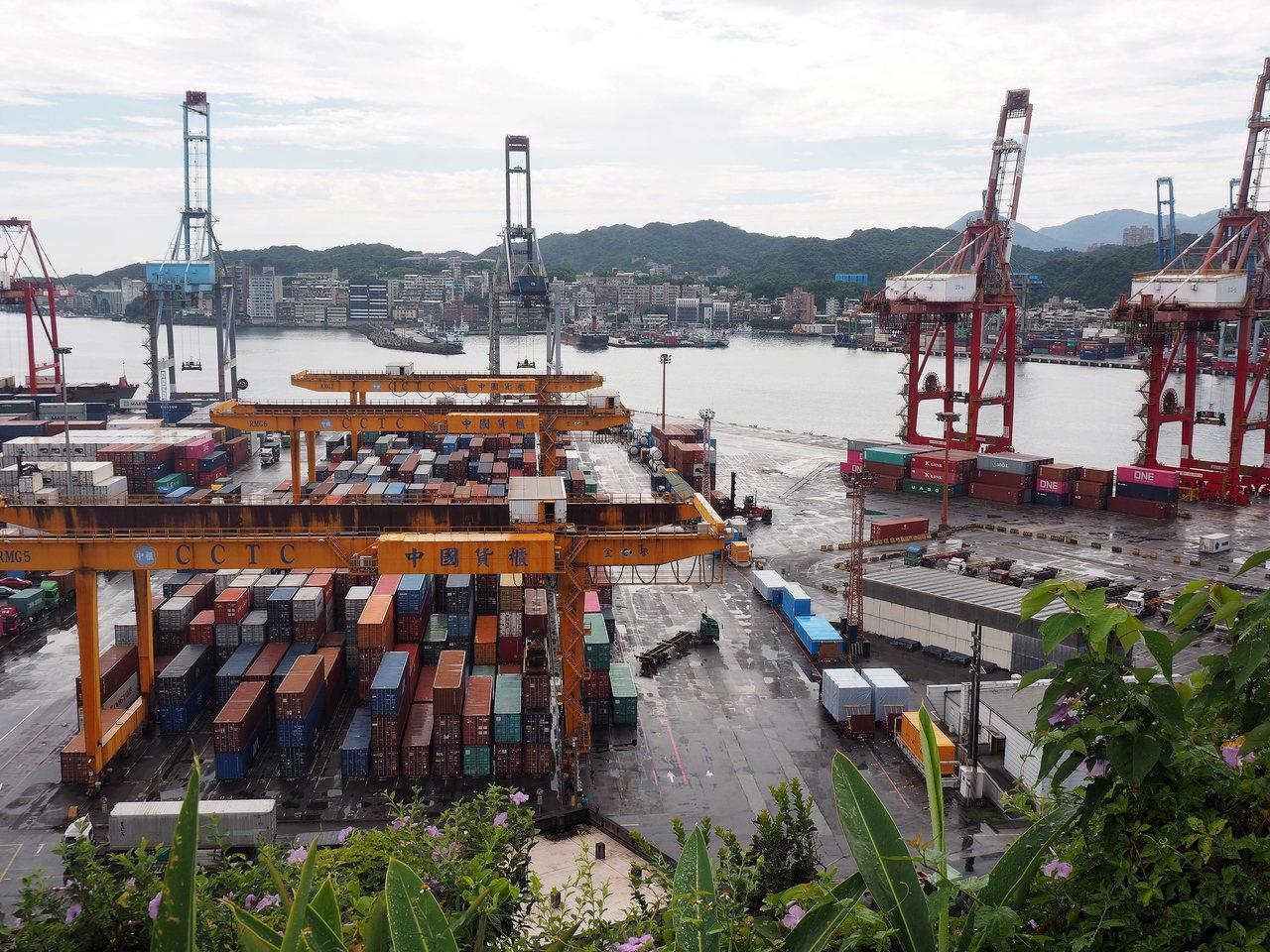財政部關務署查獲中國大陸貨品繞道來台「洗產地」案件暴增。 歐新社