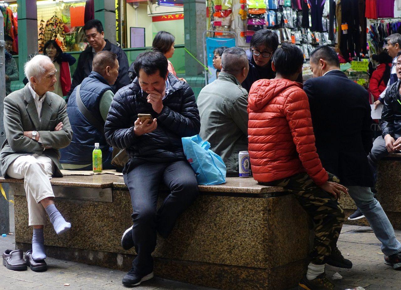 香港失業率2.9%兩年首升,零售餐飲業較傷。 香港中國通訊社