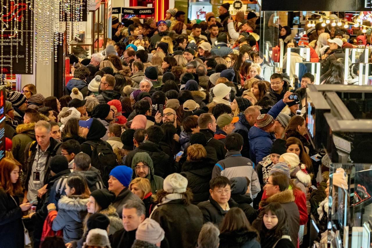 美國消費者支持全球經濟,但能撐多久? 法新社