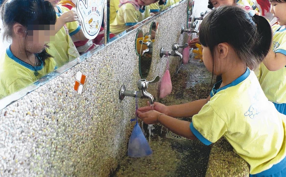 北部新增兩例腸病毒重症病例,疾管署呼籲孩童勤洗手。 圖/聯合報系資料照片
