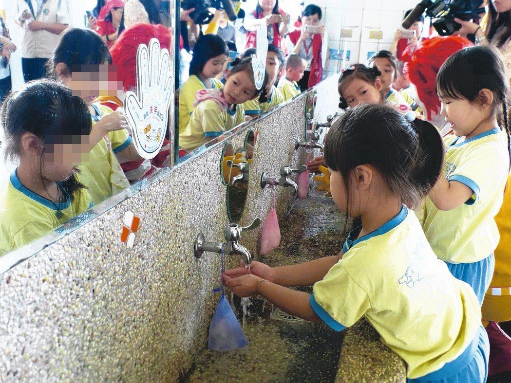 北部新增兩例腸病毒重症病例,疾管署呼籲孩童勤洗手。 本報資料照片