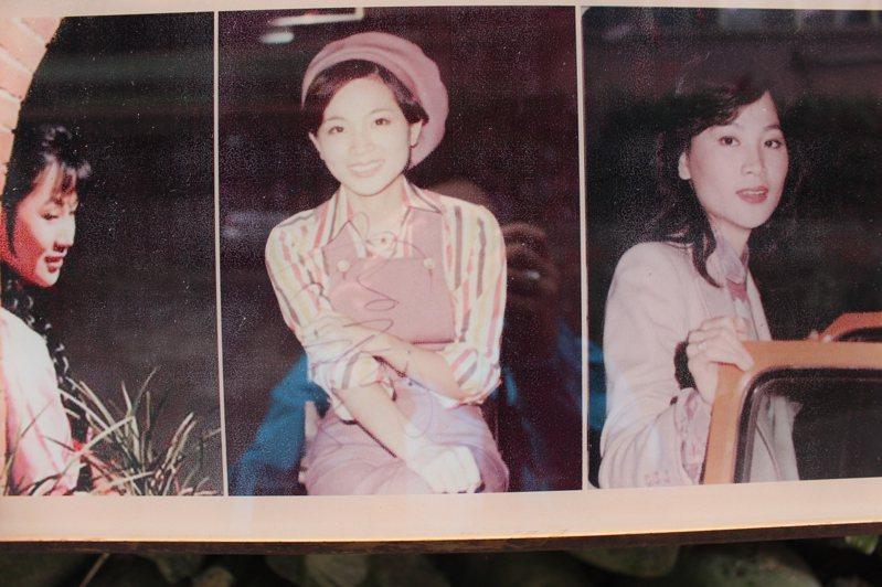 鳳飛飛的本名為林秋鸞,1953年出生於桃園大溪,熱愛唱歌的她成為台灣流行樂壇的一顆璀璨之星,以她真摯的情歌和極具吸引力的個人風格而聞名。圖為鳳飛飛舊照。記者張雅婷/翻攝