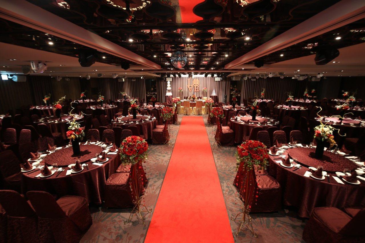 圖為嘉義兆品酒店共有三處可設席婚宴的場地,是嘉義地區星級飯店奢華婚禮首選。雲朗觀...