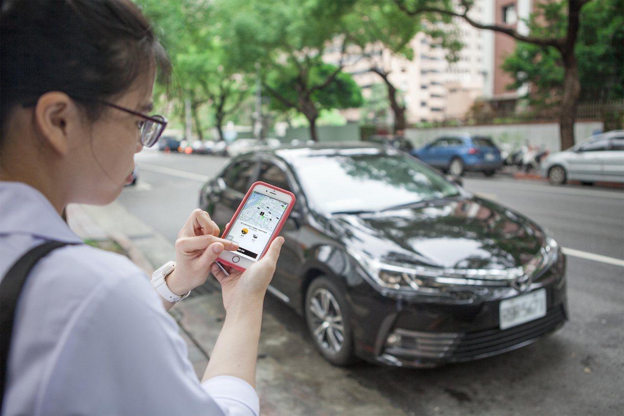 Uber叫車系統平台崛起,對計程車業者帶來營利衝擊。聯合報系資料照