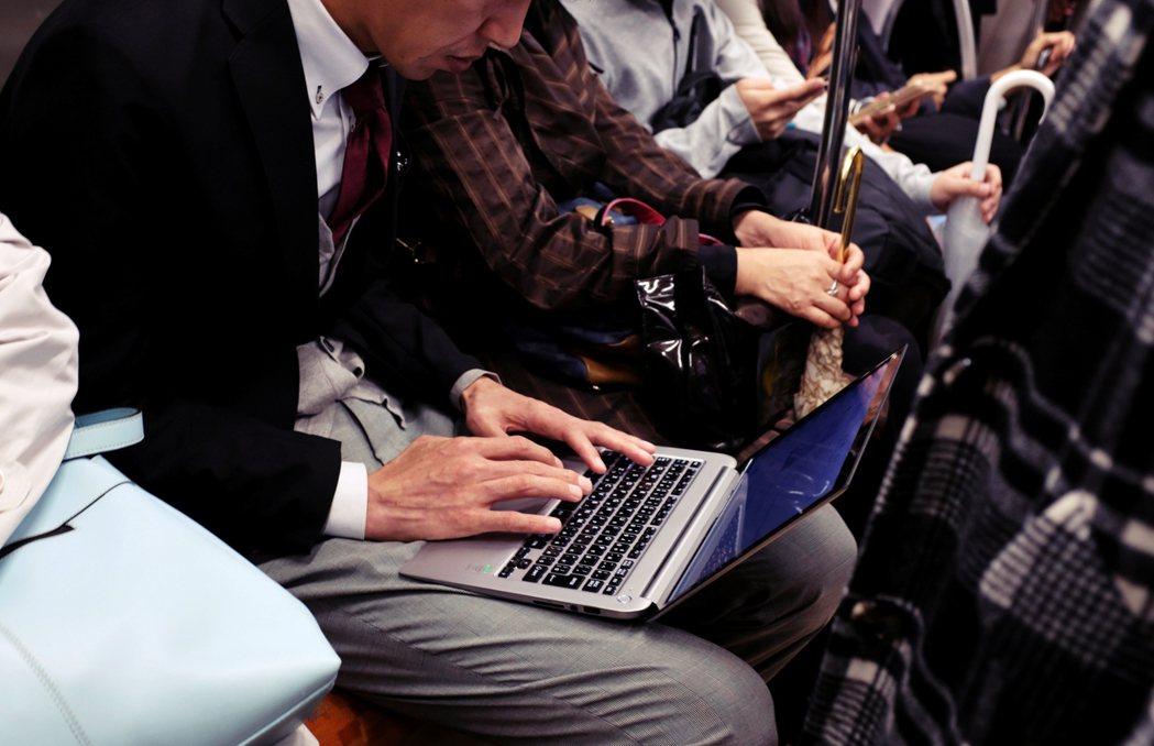 日本國內面臨IT人才嚴重不足的狀況,根據經濟產業省的統計,2018年IT人才短缺...