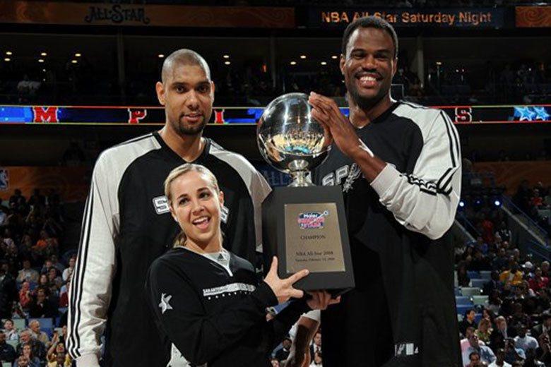 漢蒙(中)有豐富的球員與教練經驗,同時是NBA史上第一位全職女性助教,在波總身邊...