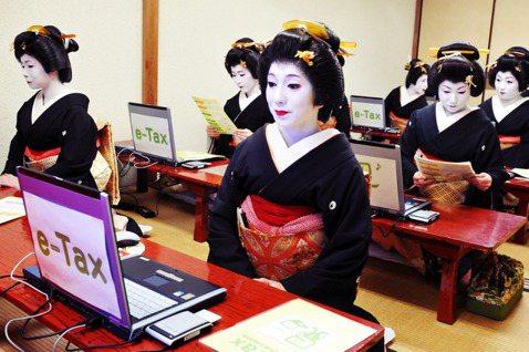 日本在大部分人的印象中是科技先進大國,但或許會讓一些人意外的是,其實日本的IT產...