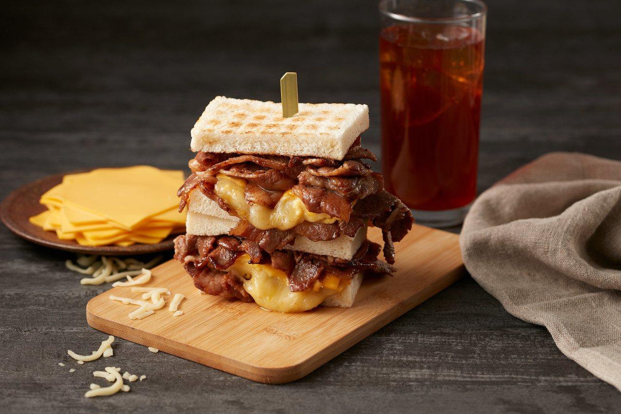 半斤燒肉三明治,每份120元。圖/開丼提供