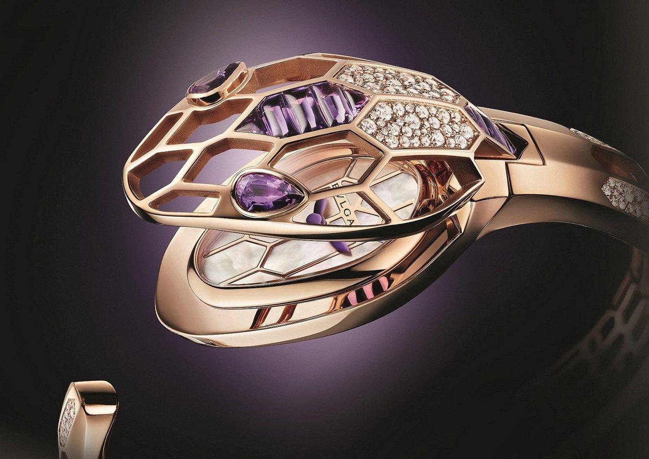 寶格麗Serpenti珠寶神秘表,18K玫瑰金弧面表殼鑲嵌132顆明亮式切割鑽石...
