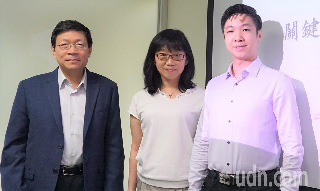 中央研究院國際研究生學程分子醫學學程博士生蕭建靖(右)為本研究第一作者。記者羅真...