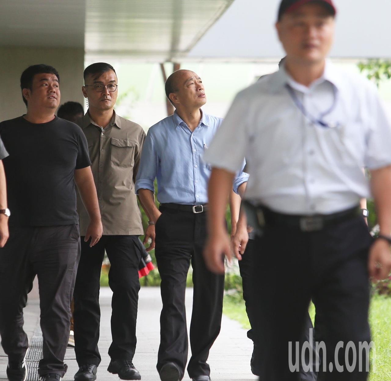 高雄市長韓國瑜今天再爆料國家機器監控他,車子都可能被裝追蹤器。記者劉學聖/攝影
