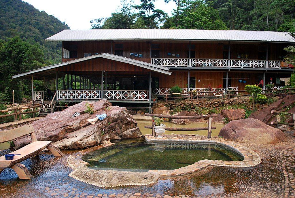瑪拉樂溫泉度假村溫泉池。圖/馬來西亞觀光局提供