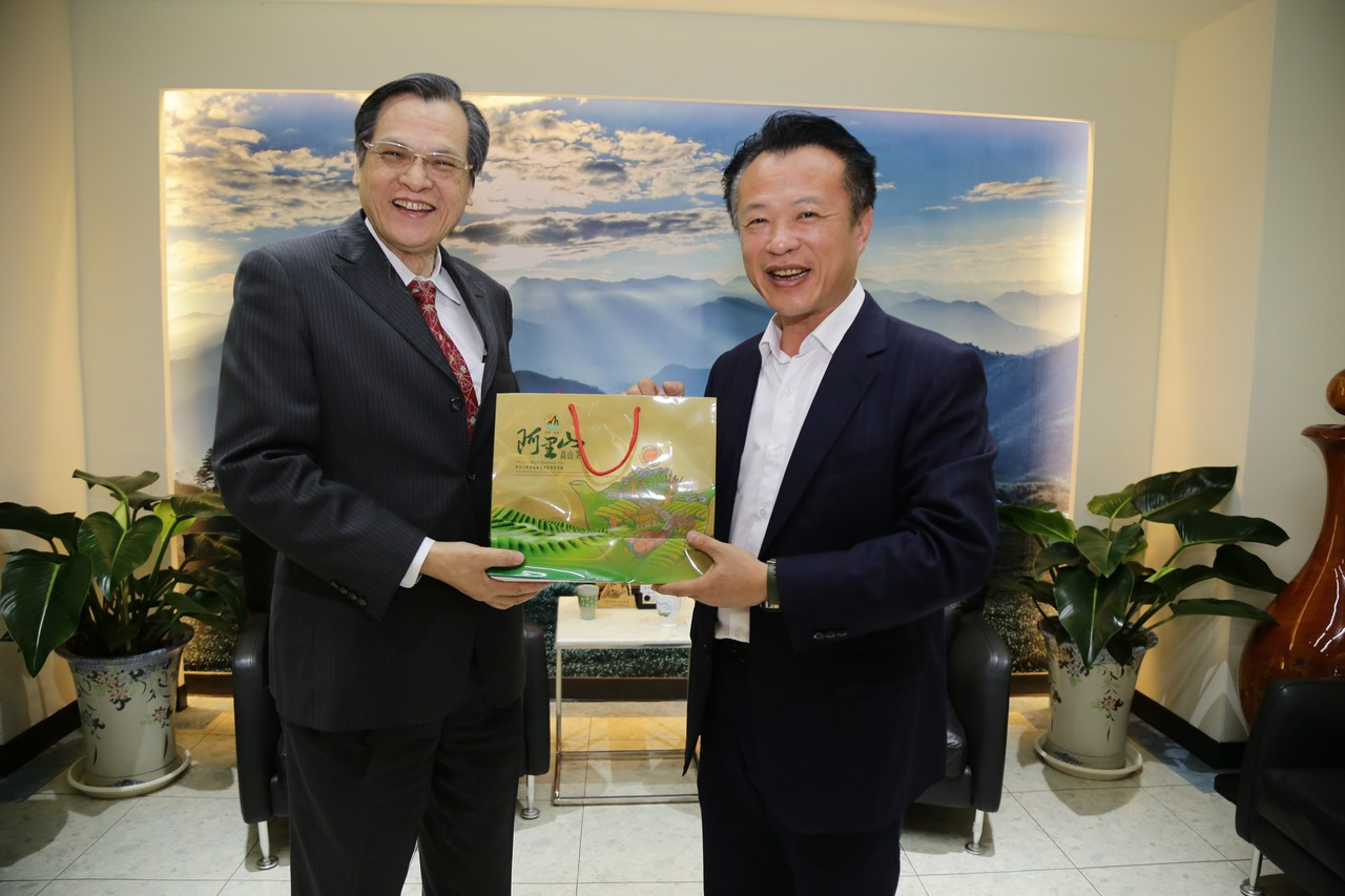 陳明通拜會翁章梁 強調不反對兩岸城市文化與經貿交流