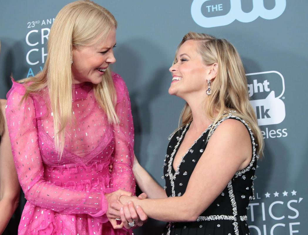 瑞絲薇絲朋(右)與妮可基嫚合作HBO「美麗心計」頻頻獲獎。圖/路透資料照片