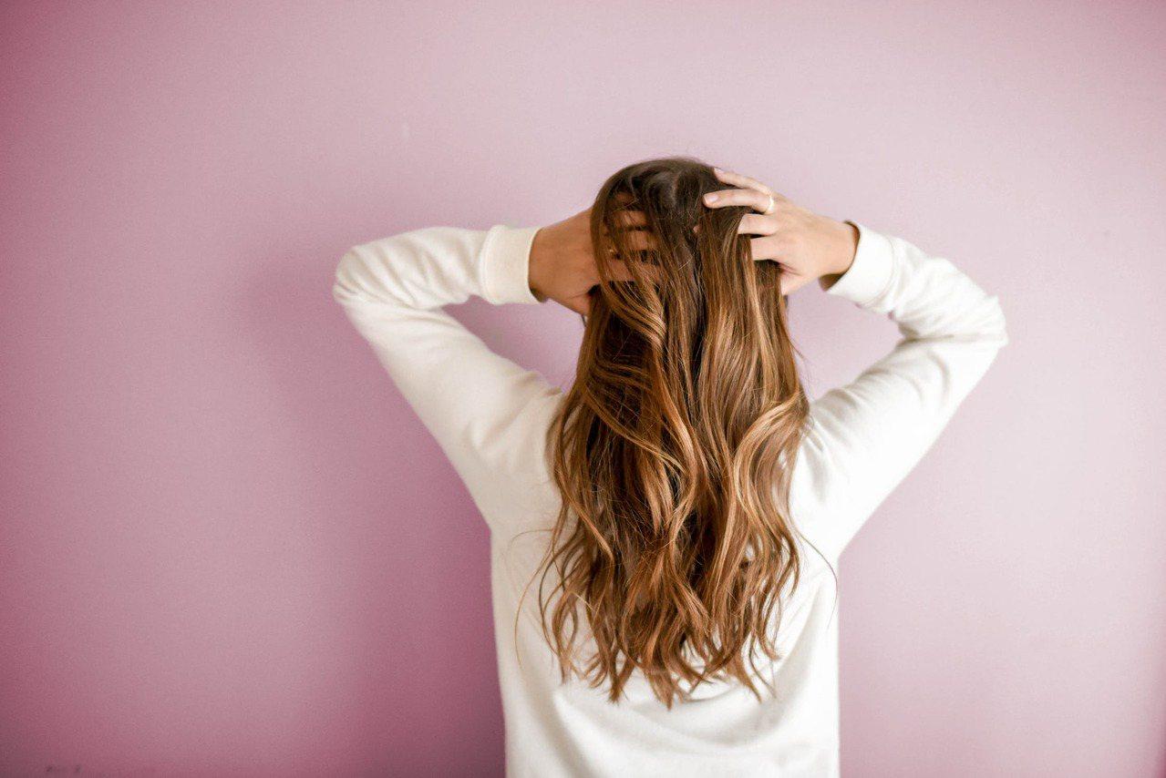 橄欖油護髮是最經濟又實惠的護髮產品。圖/摘自 pexels