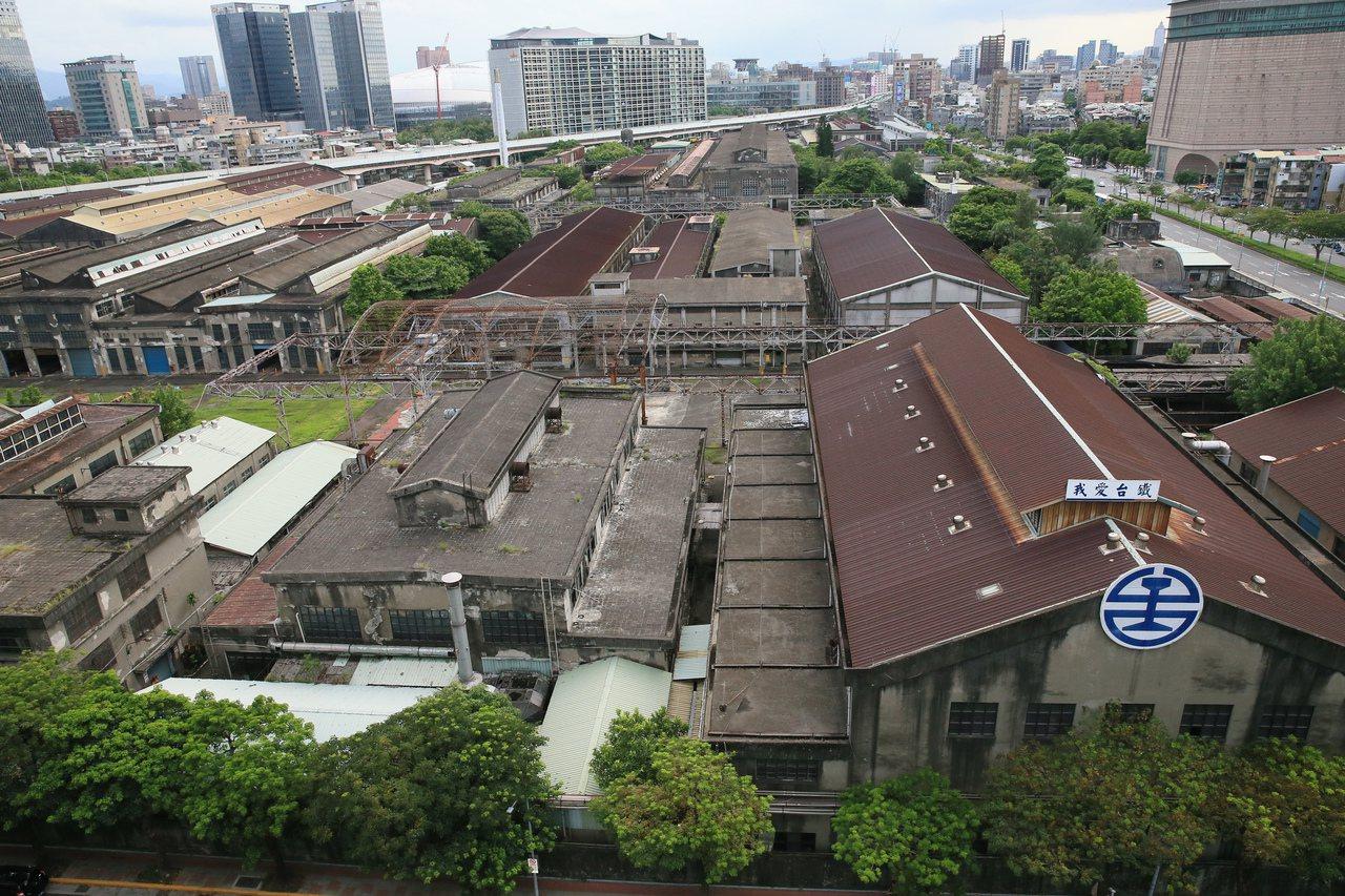 台北機廠將變身國家鐵道博物館,圖為台北機廠外觀。 記者潘俊宏/攝影