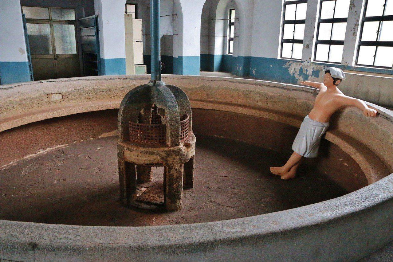 台北機廠已啟動修復。圖為員工澡堂。 圖/文化部提供