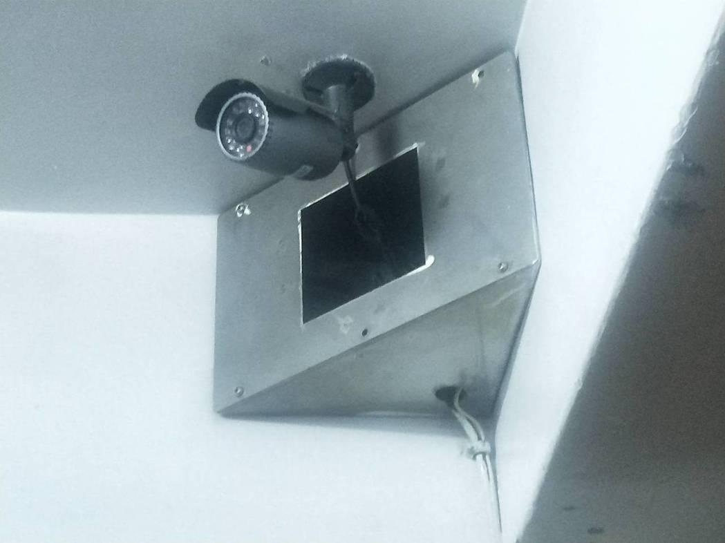 家中裝監視器,如果是因防盜、利用遠端監控老小生活,或是看護有無盡到照顧責任,主觀...