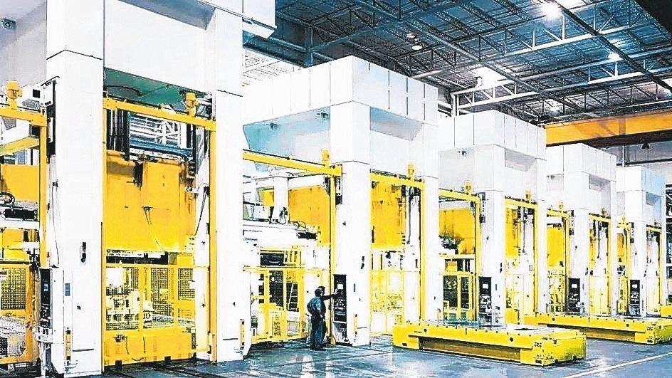 知名沖床設備製造商選用Pilz安全控制系統PNOZmulti,提升設備安全。 皮...