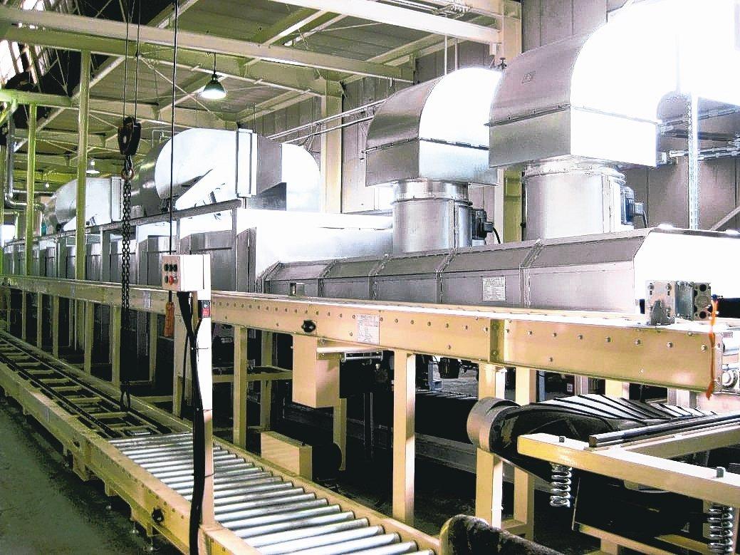 利運機械自動浸旋塗裝系統,滿足機械五金、扣件相關產業高質化需求。 業者/提供