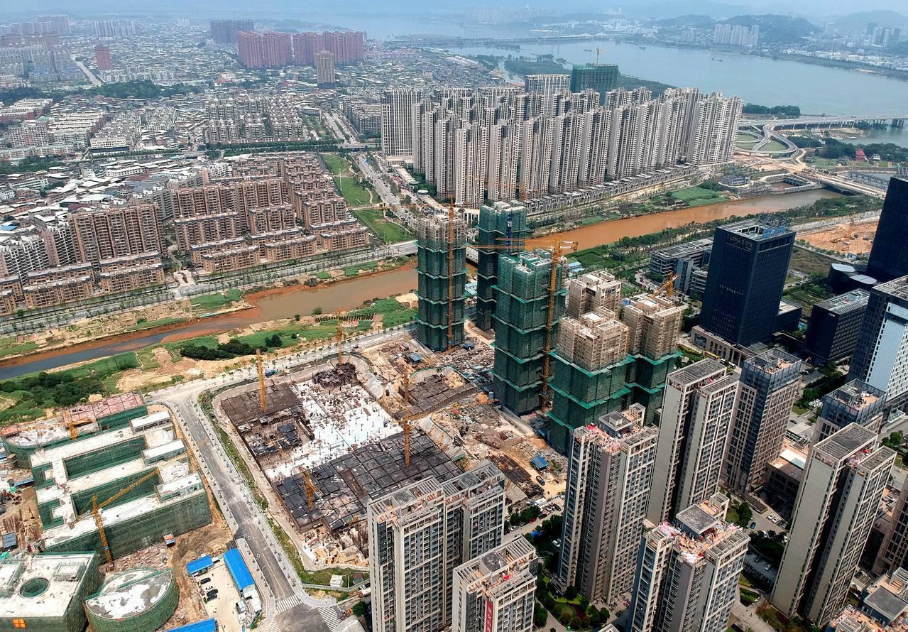 許多台商赴陸,買地蓋廠從事生產,之後有些台商選擇回台灣,直接將土地出租給二房東賺...