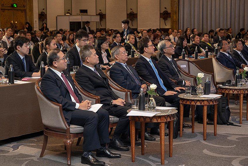 駐泰代表童振源、台泰貴賓與會台泰產業鏈結高峰論壇。 VISIONTHAI看見泰國...