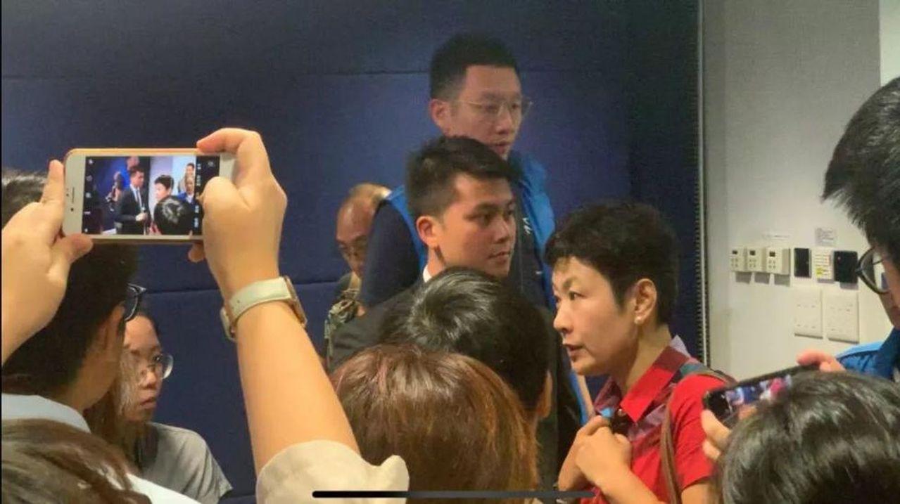 內地女記者被港媒圍堵廣東廣播電視台強烈譴責 (取材自環球網)
