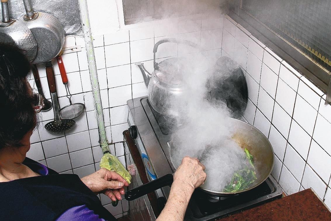 專家表示,空氣品質與肺癌的關聯除應考慮室外空汙,未來也應進一步了解職業暴露與居家...