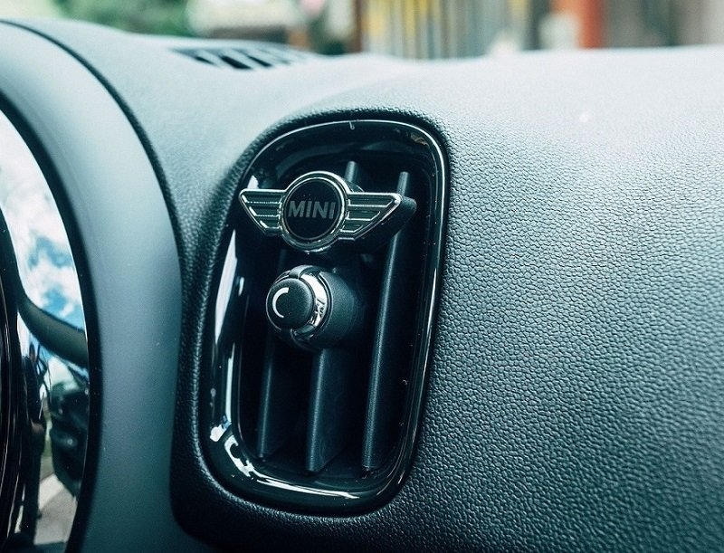 8月賞車試駕即贈MINI汽車香氛。 圖/MINI提供