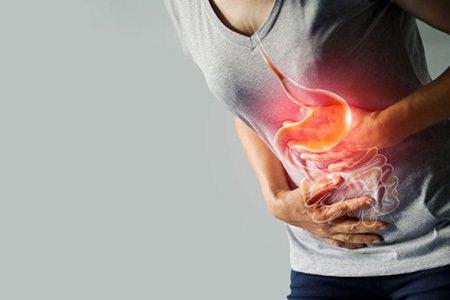 長期服用胃藥來對抗腸胃問題,可能會引發腸道黏膜受損等情況。 圖/大幸藥品 提供