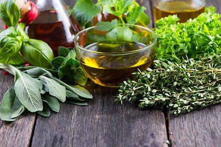 木餾油可以減緩腸道過度蠕動,調解腸道水分平衡。 圖/大幸藥品 提供