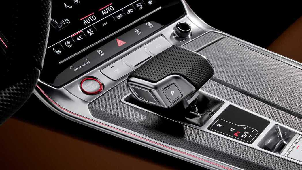 RS6 Avant新增8速Tiptronic變速箱。 摘自Audi