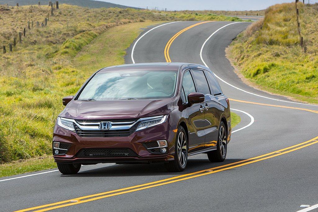 Honda汽車日前慶賀Odyssey導入美國滿25年,推出新年式車型之餘再提供2...