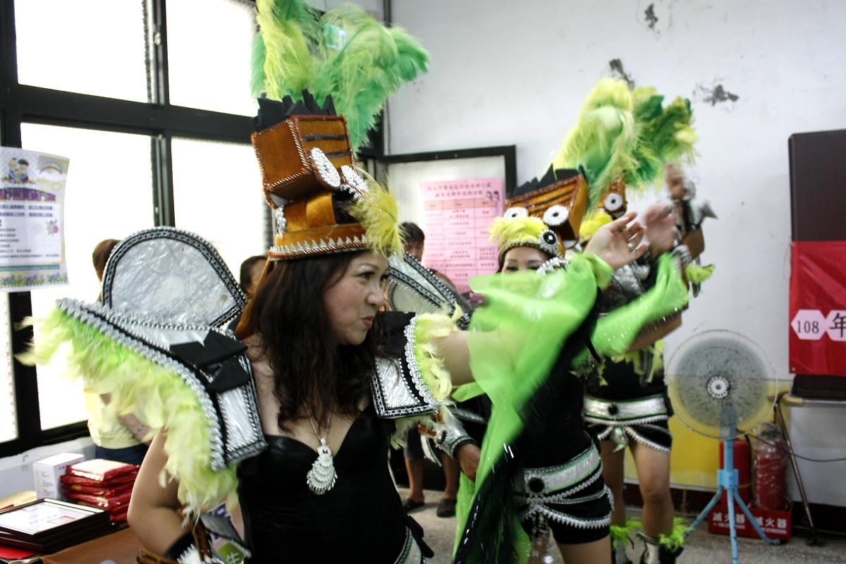 森巴舞來慶祝 雙溪銀髮俱樂部熱情揭牌