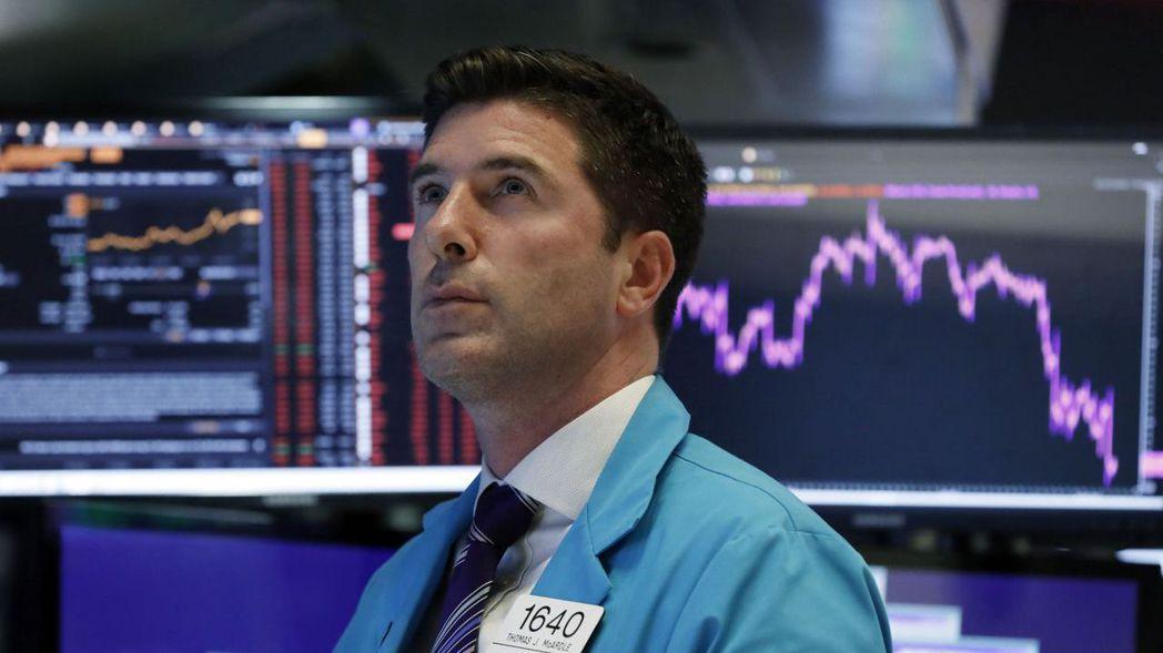 有些投資人表示,川普要求Fed降息和種種政策,可能表明對美國經濟信心開始動搖。 ...