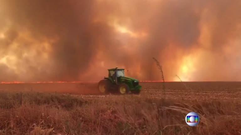 巴西太空研究所公布最新數據,顯示該國亞馬遜雨林2019年野火數量多達72843起...