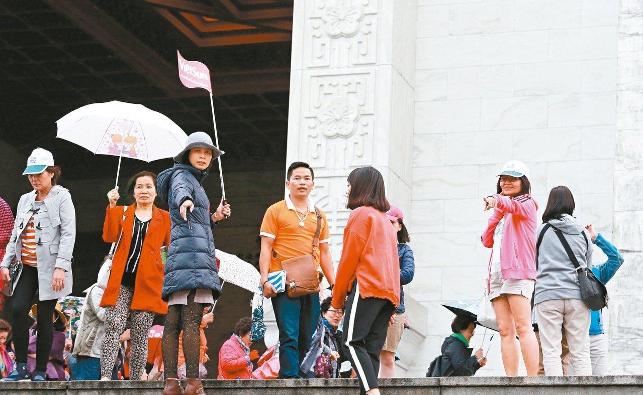 中國大陸停發陸客自由行簽證後,對台灣觀光業造成衝擊。本報資料照片