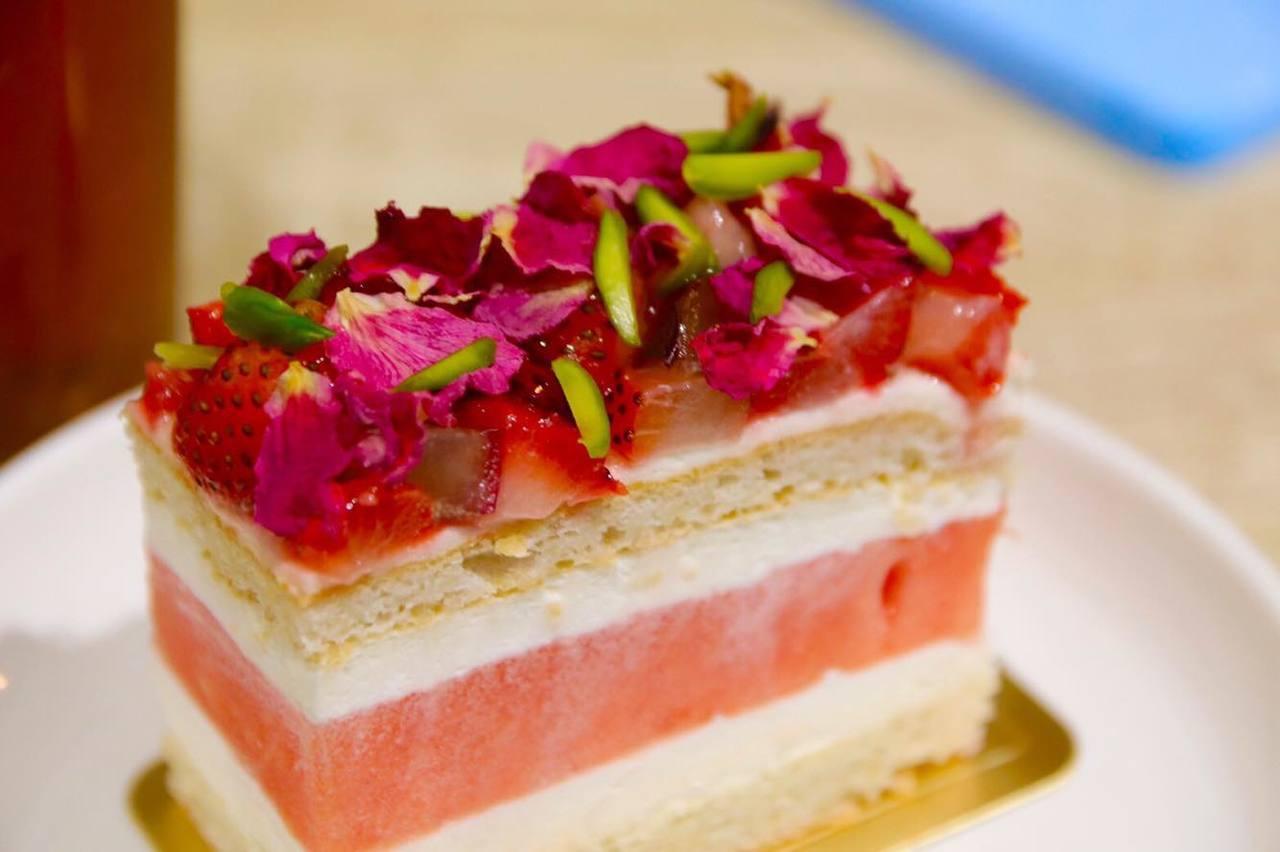 澳洲特色點心「草莓西瓜蛋糕」台灣吃得到。圖/老德記x square desser...
