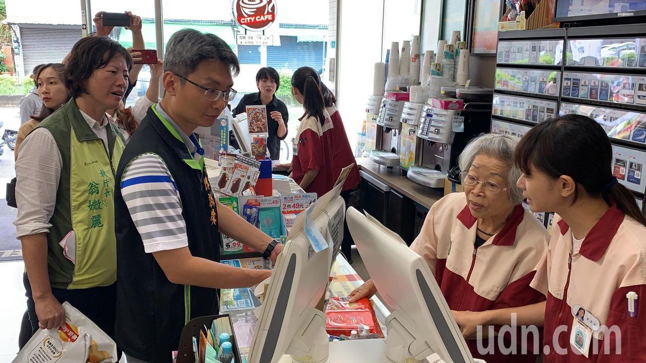 88歲阿嬤愛上得憶學堂 站超商化身不老店長