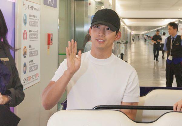 韓國超人氣偶像天團2PM成員,擁有韓媒與粉絲讚譽為「韓國隊長」之稱的巨星玉澤演,...